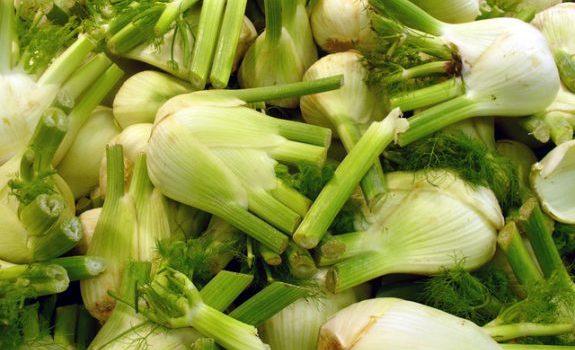 fennels-in-a-market-1556723-640x480