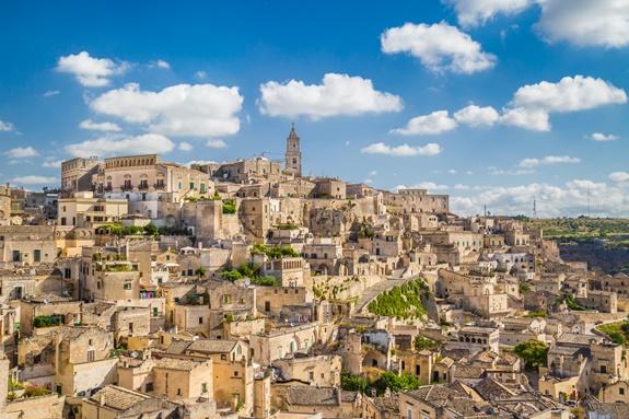 Basilicata er turistmæssigt mest kendt for byen Matera. Matera skal være europæisk kulturhovedstad i 2019.
