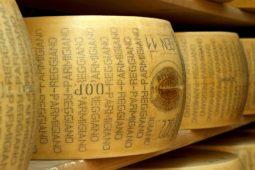 Produktion af falsk Parmigiano overstiger den ægte Parmigiano